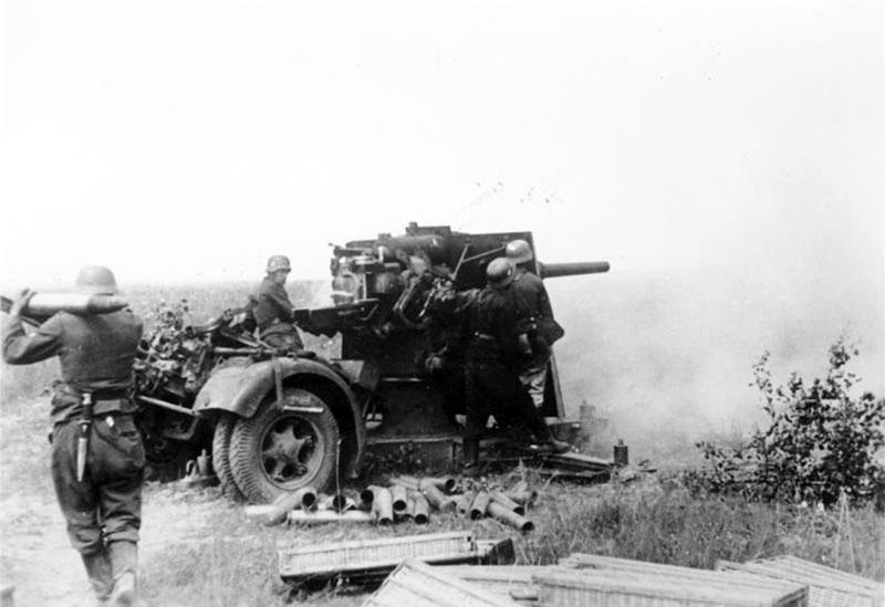 Flak WH 88mm en action
